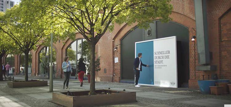 Vallas de publicidad de Mini